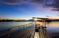 Anlegestelle bei Sonnenaufgang in Sabah, Borneo Stockfotos