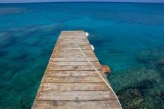 Anlegestelle im Meer Stockbilder