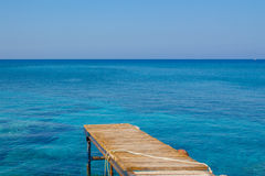 Anlegestelle im Meer Stockfoto
