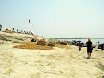 Anlegestelle in Jamuna-Fluss, Sariakandi Bogra stockbild