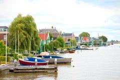 Anlegestelle in Zaandam, die Niederlande Lizenzfreies Stockfoto