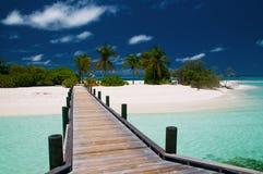 Anlegestelle zu einer unberührten Insel Lizenzfreies Stockfoto