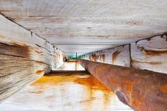 Anlegestellen-Struktur-Details: Strahln-und Rohr-Perspektive Stockfoto