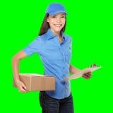 Anlieferungsperson, die Paket liefert Stockbild