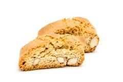 Anmärker isolerade Cantuccini italienska biscottikex på vit Arkivbild