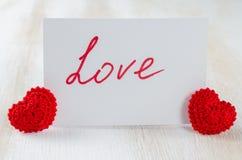 Anmärkning med textförälskelse för dag för St-valentin` s Fotografering för Bildbyråer