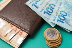 Anmärkningar av verklig brasiliansk valuta brazil pengar Fotografering för Bildbyråer