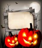anmärkningar för bakgrundsslagträhalloween månsken Arkivfoto