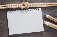 Anmerkung und Bleistifte Lizenzfreie Stockbilder