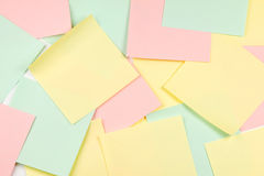 Anmerkungen des farbigen Papiers Lizenzfreie Stockfotos