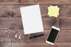 Anmerkungen und Telefon Lizenzfreie Stockbilder