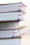 Anmerkungsbücher im Stapel - Nahaufnahme Stockbilder