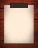 Anmerkungspapier auf Holz lizenzfreie abbildung