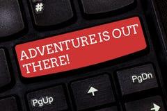 Anmerkungsvertretung Abenteuer zu schreiben ist dort draussen Das Geschäftsfoto, das Explore zur Schau stellt, entdecken, dass Re stockfotos