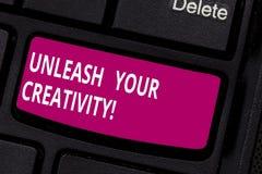 Anmerkungsvertretung schreibend, binden Sie Ihre Kreativität los Geschäftsfoto, das kontaktierend zur Schau stellt, was Sie ungef lizenzfreie stockfotos