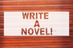 Anmerkungsvertretung schreibend, schreiben Sie einen Roman Die Geschäftsfotopräsentation ist kreativ, etwas Literaturerfindung sc lizenzfreies stockbild