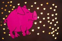 Année chinoise de signe de zodiaque de porc, porc de coupe de papier de rose, bonne année 2019 ans sur le fond noir avec le beau  photographie stock
