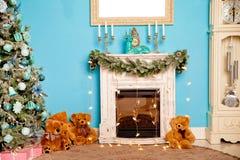 Année d'ande de Noël la nouvelle a décoré la pièce images stock