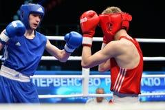 Année d'Orenbourg, Russie 7 mai 2017 : Les boxeurs de garçons concurrencent Photo stock