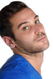 20 années de jeune homme caucasien avec des yeux bleus Photos stock