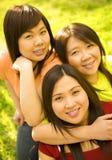 Années de l'adolescence asiatiques occasionnelles Images stock