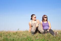 Années de l'adolescence avec des lunettes de soleil Photographie stock libre de droits
