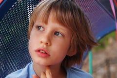 6 années mignonnes de garçon Image libre de droits