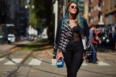 Anna Dello Russo podczas Mediolańskiego moda tygodnia Zdjęcia Royalty Free
