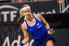 Anna Karolina Schmiedlova, durante jogo redondo do grupo II do mundo o primeiro entre a equipe Letónia e a equipe Eslováquia fotografia de stock royalty free
