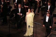 Anna Netrebko på teaterdes Champs-Elysees, Paris, kan 10, 2015 Royaltyfri Fotografi