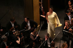 Anna Netrebko på teaterdes Champs-Elysees, Paris, kan 10, 2015 Royaltyfria Bilder