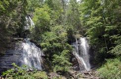 Anna Ruby Falls-waterval in Noord-Georgië, de V.S. stock foto's
