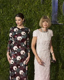 Anna Wintour Arrives at the 2015 Tony Awards. English Editor-in-Chief of American Vogue Anna Wintour (right), sporting her traditional pageboy bob haircut Royalty Free Stock Photos
