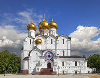 Annahme-Kathedrale in Yaroslavl Russland lizenzfreie stockfotos