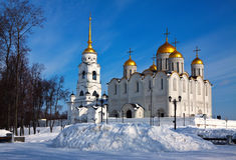 Annahmekathedrale bei Vladimir im Winter Stockfotografie