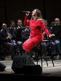 Annalisa Minetti canta en etapa Foto de archivo libre de regalías