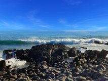 Annalkande kust för avbrottsvåg royaltyfri fotografi
