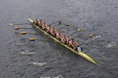 Annapolis Ναυτικών Ακαδημιών συναγωνιζόμαστε στον επικεφαλής του πρωταθλήματος Eights των ατόμων του Charles Regatta Στοκ φωτογραφία με δικαίωμα ελεύθερης χρήσης