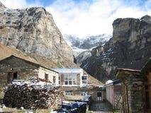 annapurna山多雪的尼泊尔 免版税图库摄影