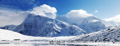 Annapurna 3 ΙΙΙ μπλε χρωματισμένος, σειρά Annapurna Στοκ Εικόνες