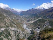 Annapurna και κοιλάδα Manang από ανώτερο Khangsar, Νεπάλ Στοκ φωτογραφίες με δικαίωμα ελεύθερης χρήσης