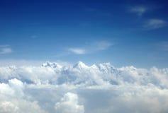 Annapurna και machhapuchhre σειρά στο μέσο των σύννεφων Στοκ εικόνες με δικαίωμα ελεύθερης χρήσης