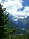 Annapurna 2 στα σύννεφα, Νεπάλ Στοκ φωτογραφία με δικαίωμα ελεύθερης χρήσης