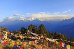 Annapurna en de bergketen van Himalayagebergte met zonsopgangmening van Poo Stock Afbeeldingen
