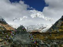 Annapurna I del campo bajo de Annapurna Imagenes de archivo