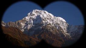 Annapurna pasmo górskie w himalajach w Nepal widzieć przez lornetek Wycieczkować, mountaineering i trekking, zbiory wideo