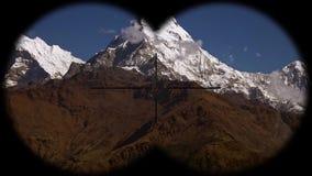Annapurna pasmo górskie w himalajach w Nepal widzieć przez lornetek Wycieczkować, mountaineering i trekking, zdjęcie wideo