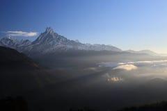 Annapurna som är södra från Tadopani Nepal Royaltyfria Bilder
