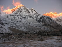 Annapurna am Sonnenaufgang Stockfotos