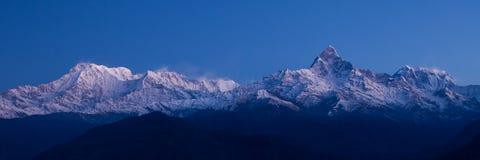 Annapurnapanorama - Himalayagebergte Stock Afbeeldingen